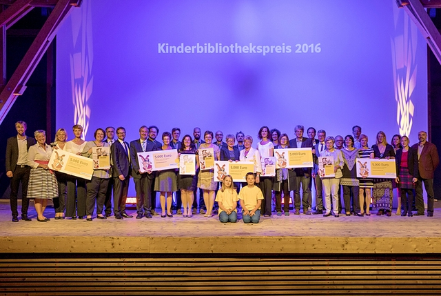 Kinderbibliothekspreis 2016.jpg