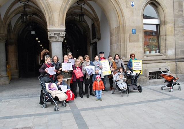 Unterschriften zum Erhalt der Geburtshilfe_1.JPG