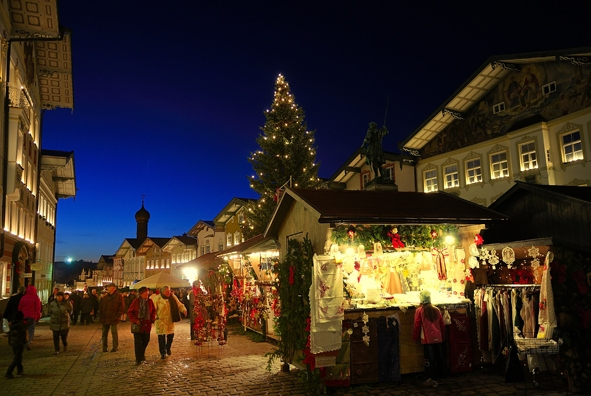 Christkindlmarkt in Bad Toelz.jpg