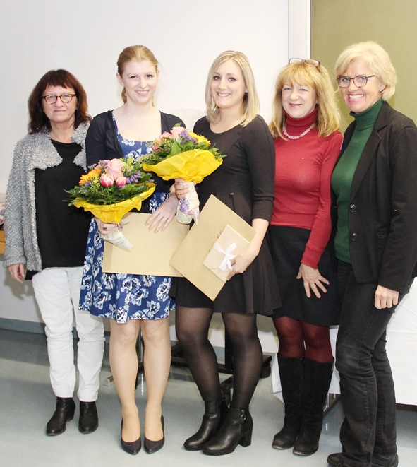 Staatspreis für Absolventinnen der Berufsfachschule für Krankenpflege des RoMed Klinikums Rosenheim_1.jpg