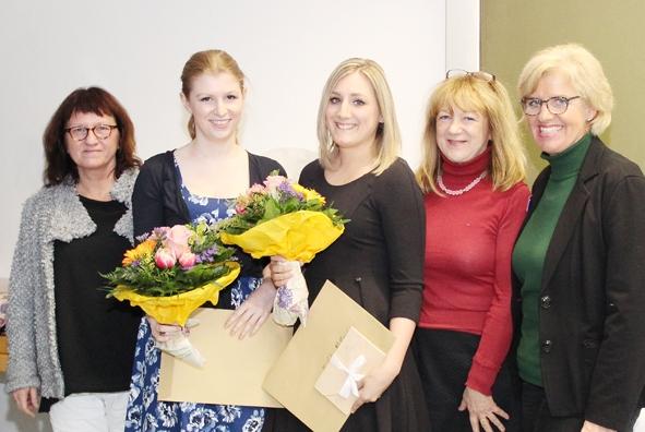 Staatspreis für Absolventinnen der Berufsfachschule für Krankenpflege des RoMed Klinikums Rosenheim.jpg