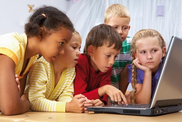 Kinder_Laptop_Medien.jpg