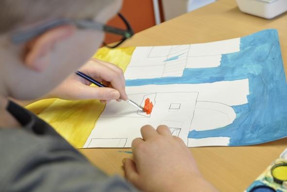 Kinder mit Behinderung malen für die Kleine Galerie 2019 2.jpg