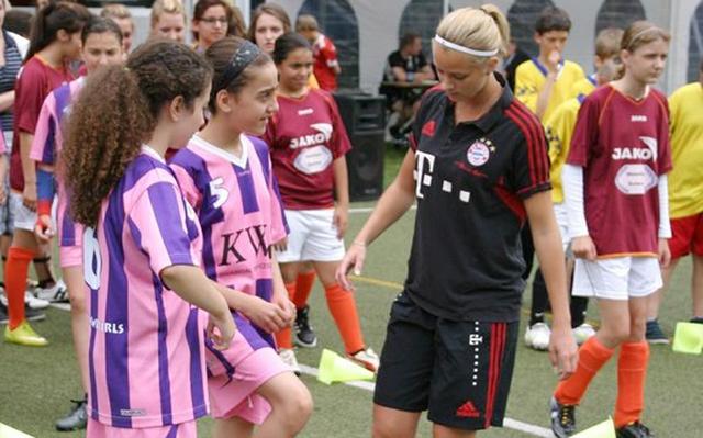 KJR-Fußballcup_girls_300dpi.jpg