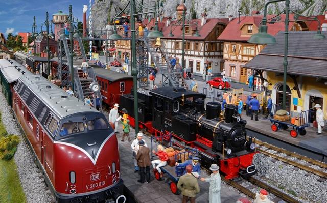 Schweizer Bahnhof mit V200.jpg
