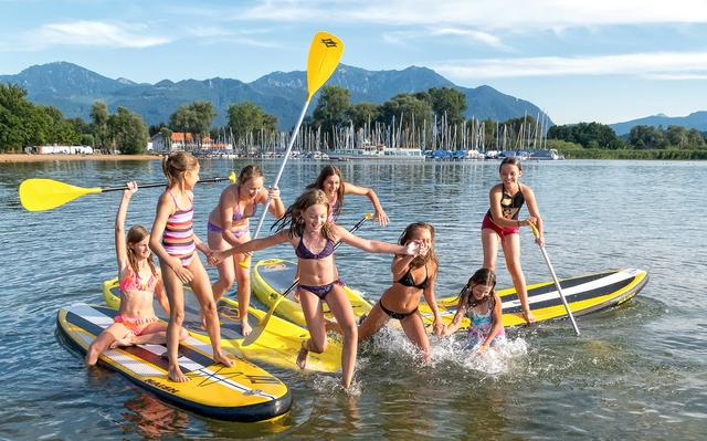 Chiemsee_FeldwieserBucht_SUP-Girls_P1340681_WolGa