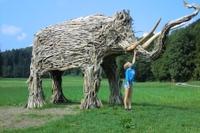 Mammut mit Mädchen - Kopie.JPG