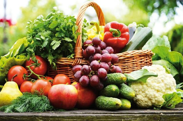 Obst und Gemüse Korb.jpg