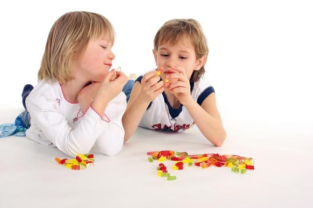 kinder+süßigkeiten.jpg